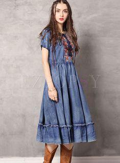 #dressforwomen #vintagedresses #alinedress #denimdress Dresses Elegant, Vintage Dresses, Casual Dresses, Denim Skater Dress, Skater Dresses, Summer Fashion Outfits, Fashion Dresses, Plus Size Dresses, Plus Size Outfits