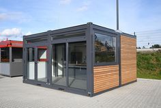Container Van, Shipping Container Buildings, Container Restaurant, Snack Containers, Container Architecture, House Front Design, House Blueprints, Cafe Design, Bbq Grill