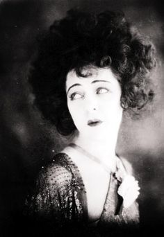 Russian film star Alla Nazimova , starring in the silent film 'Camille' opposite Rudolph Valentino. Get premium, high resolution news photos at Getty Images Golden Age Of Hollywood, Old Hollywood, Hollywood Icons, Classic Hollywood, Hollywood Style, Hollywood Celebrities, Silent Film Stars, Movie Stars, Anton