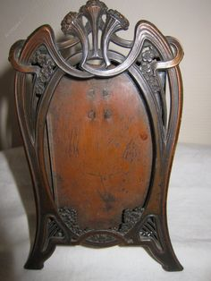 Photograph Frame, Art Nouveau Picture Or Photo Frame. Art Nouveau Photo or Picture frame in bronzed white metal,easel standing, complete with glass. Metal Easel, Mirrored Picture Frames, Art Nouveau Furniture, Arts And Crafts Furniture, Mirror Painting, Antique Frames, Art Nouveau Design, Art Deco Wedding, Arts And Crafts Movement