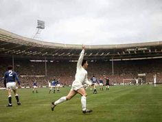 Everton 3 Sheffield Wed 2 in May 1966 at Wembley. David Ford celebrates putting Wednesday 2-0 up on 57 minutes in the FA Cup Final.