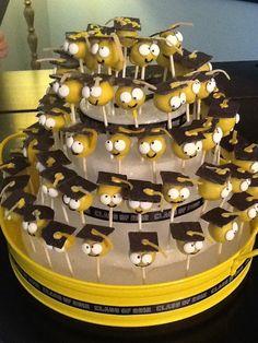 graduation cap cake pops craftsy cookies cake pops pinterest kuchen geb ck und torten. Black Bedroom Furniture Sets. Home Design Ideas