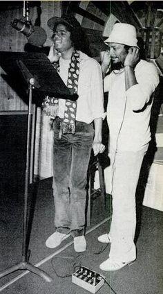 Michael Jackson and Quincy Jones at studio :) - Cuteness in black and white ღ  @carlamartinsmj