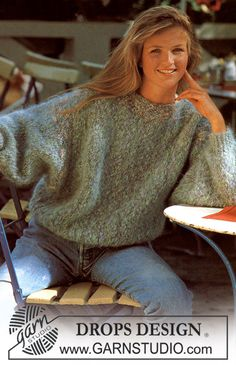 Ravelry: Jumper with wide sleeves pattern by DROPS design Beginner Knitting Patterns, Sweater Knitting Patterns, Crochet Cardigan, Knit Patterns, Free Knitting, Knit Crochet, Pull Mohair, Drops Design, Big Knits