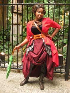 Un costume steampunk aux couleurs éclatantes, parce que le steampunk n'est pas seulement cuivre, laiton, doré...