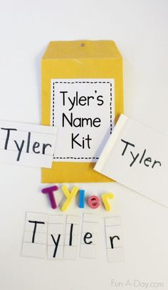 Name Kits: Tools for Teaching Young Children Their Names - Fun-A-Day! Name Kits for Preschool and Kindergarten - simple but meaningful way for teaching young children about their names and other early literacy concepts Kindergarten Names, Preschool Names, Preschool Lessons, Kindergarten Classroom, Preschool Activities, Name Writing Activities, Kindergarten First Week, Writing Center Kindergarten, Name Writing Practice