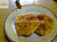 Τηγανίτες Σαμιώτικες με γιαούρτι και αυγά Pancakes, French Toast, Cooking, Breakfast, Food, Kitchen, Morning Coffee, Essen, Pancake