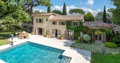 Located in a residential area of Mougins, closed Domaine with tennis court, splendid Mas of the 18th Century air conditioned, renovated with taste, of approximately 600 m², nestling at the heart of a landscaped 2 800 m² garden with 9 x 6 m swimming pool.    Ground Floor: Entrance hall with guest toilet and wardrobe,  Large living room with fireplace,  Dining area,  Fully equipped kitchen opening out to a shaded terrace with barbecue,  Lounge / games room with shower room,  Master Bedroom...