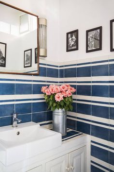 Susan Palma     If you've never seen one of my Blue and White Bashes, you can do so here , here  and here . They're linking parties wher...