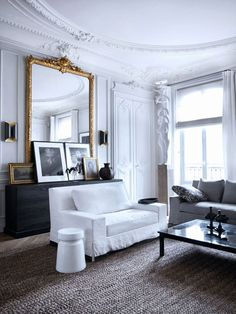 Parisian Paradise - Golden White Decor
