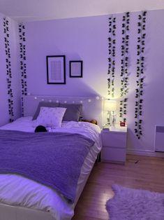 Neon Bedroom, Bedroom Setup, Room Design Bedroom, Room Ideas Bedroom, Small Room Bedroom, Bedroom Decor, Bedroom Inspo, Pinterest Room Decor, Indie Room