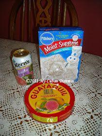 My Cuban Traumas: Guava Cupcakes Guava Cupcakes, Guava Cake, Yummy Cupcakes, Cupcake Cookies, Mini Cupcakes, Guava Recipes, Cuban Recipes, Sweet Recipes, Yummy Recipes
