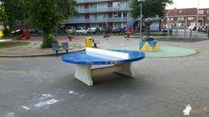 Pingpongtafel Rond Blauw bij Speelplek Stauntonstraat in Utrecht