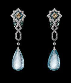 """COLLECTION """" L'ODYSSÉE DE CARTIER - PARCOURS D'UN STYLE""""- 2013 - """" Influence orientale"""" Clips or blanc, aigue-marine briolette (total 32,87 carats), diamants bruns, émail plique à jour, brillants"""