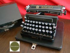 BAR-LET Model 2 british essential typewriter by Meccanismo on Etsy
