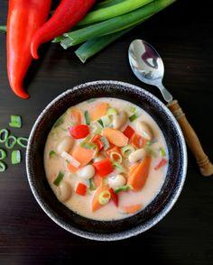 Kokosmelk m/ red curry paste Red Curry Paste, Scones, Cantaloupe, Vegan, Fruit, God, Dios, Allah, Vegans