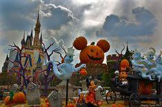halloween disney world | Halloween At Disneyland. Spooktacular Halloween Parties For All Ages
