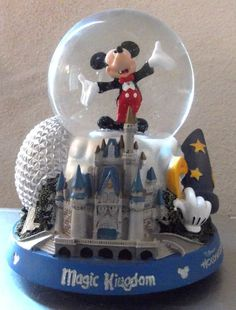 Walt Disney World Resort Icons Mickey Mouse Snowglobe Gently Used