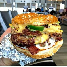 """chw131: """" #Repost @grubfiend - This year was big for me as I tried @fiveguys for the first time, and it was magic. ⚡️#grubfiend ⚡️ """""""