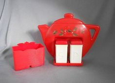 1940s-1950s Vintage Retro Plastic Salt and Pepper Shakers with Red Teapot Holder and Condiment Container, U.S.A. in plastic