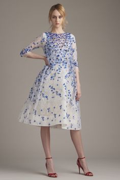 http://www.style.com/slideshows/fashion-shows/resort-2016/monique-lhuillier/collection/31