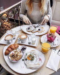 P o l i n a   П о л и н а (@polabur) Instagram photo 2016-12-04 10:10:37 The most perfect Sunday breakfast ever  идеальный воскресный завтрак  всем прекрасного дня! ❤️#sunday #breakfast #pieceofcake #maastricht