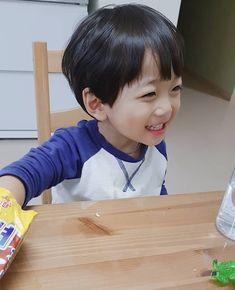 Cute Asian Babies, Korean Babies, Cute Babies, Jikook, Ulzzang Kids, Baby Poses, Seohyun, Cute Korean, Adolescence
