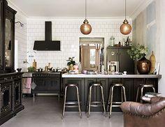 scandinavian home with bronze and brown kitchen decor / sfgirlbybay