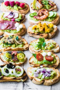 Guacamole Bruschetta Bar ~ admit it, you've always wanted to eat avocado toast f. - Guacamole Bruschetta Bar ~ admit it, you've always wanted to eat avocado toast for dinner, and th - Bruschetta Bar, Homemade Bruschetta, Brunch Recipes, Appetizer Recipes, Breakfast Recipes, Breakfast Ideas, Perfect Breakfast, Brunch Appetizers, Bar Recipes