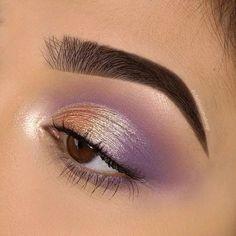 Purple Eyeshadow Looks, Simple Eyeshadow, Purple Eye Makeup, Colorful Eye Makeup, Makeup For Brown Eyes, Metallic Eyeshadow, Natural Eyeshadow, Liquid Eyeshadow, Pop Of Color Eyeshadow