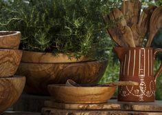 Céramique portugaise & bois olivier brut, une combinaison irrésistible. Van Verre, Pays-Bas