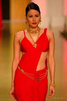Maailmanvaltuuskunnan Azva Intiassa Bridal Fashion Week 2013 | Delhi Style -blogi