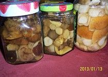 Houby ve slaném nálevu podle Marty recept - TopRecepty. Pickles, Cucumber, Canning, Food, Catalog, Essen, Meals, Pickle, Home Canning