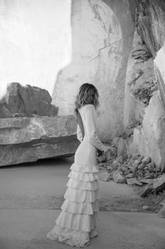 On the edge of nowhere, an otherwordly dreamscape of fluid gowns and sculptural silhouettes with model Delilah Summer. Bride Photography, Wedding Photography Inspiration, Wedding Inspiration, Editorial Photography, Bridal Poses, Bridal Pictures, Wedding Photos, Gown Photos, Organza