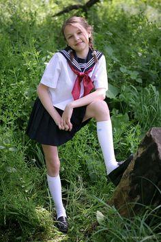 Little Girl in School Uniform Cute School Uniforms, School Uniform Fashion, School Uniform Girls, Cute Girl Dresses, Cute Girl Outfits, Little Girl Dresses, Preteen Girls Fashion, Young Girl Fashion, Kids Fashion