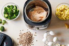 Electric pressure cookers don't need to be intimidating! Here's 3 easy pressure cooker recipes to get you started and comfortable with pressure cooking. Easy Pressure Cooker Recipes, Using A Pressure Cooker, Electric Pressure Cooker, Pressure Cooking, Pampered Chef Recipes, Kitchen Hacks, Amazing, Ideas, Thoughts