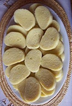 KNEDLIKY (steamed czech dumpling) ~~~ these dumplings can be made of wheat (loaf. - I Cook Different Slovak Recipes, Czech Recipes, Hungarian Recipes, Ethnic Recipes, Eastern European Recipes, European Dishes, Dumpling Recipe, Bread Dumplings Recipes, Steamed Dumplings