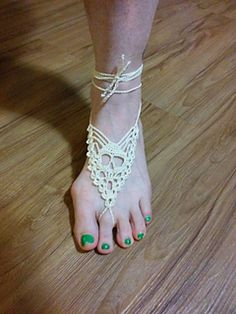 Ravelry: Skull Barefoot Sandals pattern by The Crafty Hooker Attach this to some flip flops? Crochet Skull, Crochet Slippers, Free Crochet, Thread Crochet, Crochet Crafts, Ballerinas, Barefoot Sandals Pattern, Crochet Flip Flops, Hippie Crochet