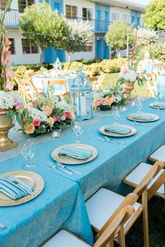 Coral & Turquoise Centerpieces | Caroline and Evan Photography