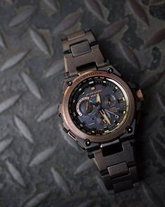 G-Shock Distressed Rose Gold G Shock Watches Mens, Chris Evans Captain America, Luxury Watches For Men, Mens Clothing Styles, Casio Watch, Dress Ideas, Bracelet Watch, Rose Gold, Stuff To Buy