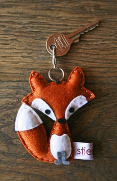 Keychain - Little Fox (light) - Keychain - a design . Fox Crafts, Cute Crafts, Kids Crafts, Diy And Crafts, Arts And Crafts, Fabric Crafts, Sewing Crafts, Sewing Projects, Felt Fox