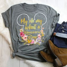 Disneyland Outfit Ideas 2019 - www. Disney Style, Disney Love, Walt Disney, Disney Family, Disney Cruise, Disney Mickey, Moda Outfits, Cute Outfits, Mickey Mouse T-shirt