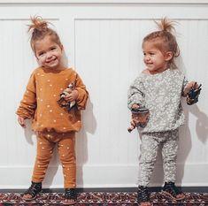 For the littles cute twins, cute babies, ohana, toddler fashion, kids fashi Baby Girl Fashion, Toddler Fashion, Kids Fashion, Häkelanleitung Baby, Baby Kind, Cute Twins, Cute Babies, Twin Babies, Tatum And Oakley