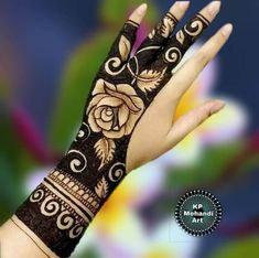 51 Impressive Diwali Mehndi Designs For Newlywed Brides Celebrating Their First Diwali Post-Nuptials Floral Henna Designs, Mehndi Designs For Girls, Simple Arabic Mehndi Designs, Stylish Mehndi Designs, Dulhan Mehndi Designs, Latest Mehndi Designs, Wedding Mehndi Designs, Mehndi Art Designs, Mehndi Designs For Fingers