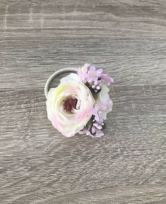 Gumička do vlasov, vyrobená z umelých kvietkov, vhodná na každú príležitosť Floral, Flowers, Jewelry, Jewlery, Jewerly, Schmuck, Jewels, Jewelery, Royal Icing Flowers