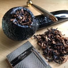 Pipes and Pipe Racks Tobacco Pipe Smoking, Cigar Smoking, Smoking Wood, Tobacco Pipes, Smoking Pipes, Pipes And Cigars, Cigars And Whiskey, Peterson Pipes, Pipe Rack