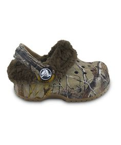 @Riya Thorson Waylon needs these! :)  Take a look at this Khaki & Chocolate Realtree® Little Mammoth Clog by Crocs on #zulily today!