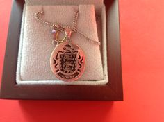 Combs family crest pendant