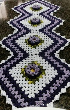 Rose Gift, Crochet Table Runner, Crochet Home Decor, Gifts For Wife, Crochet Doilies, Accent Pieces, Table Runners, Crochet Patterns, Diy Crafts