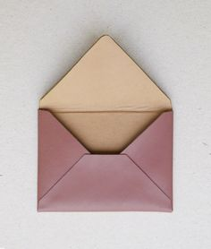 "by ANVE  card holder ""ENVELOPE"" pale rose carefully made by hand.  Luxurious goat skin with a soft touch.  Lining of finest glove leather.   Lambskin in a nude tone. Size approx. 10 x 8.5 cm 
